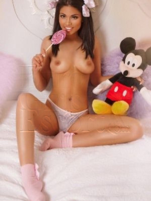 Girl Escort Ariana & Call Girl in London